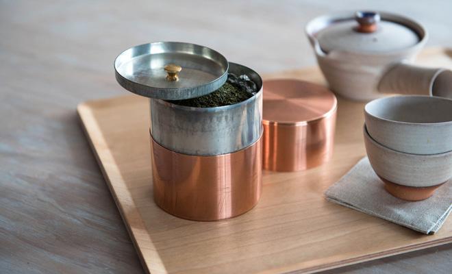 開化堂/茶筒「取込盆用 120g」(銅・ブリキ)/本体の使用イメージ画像