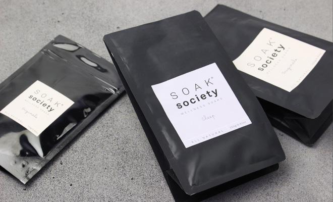 SOAK society ソークソサエティ/バスソーク  トラベルサイズ100g(3種)/バスソーク  トラベルサイズ100g(2種)が並んだ画像