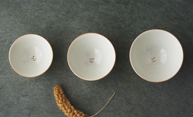AR Piece アールピース 家族茶碗が並んだ画像