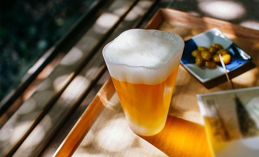 Sghr スガハラ 雲ビアグラス クリア ビールが注がれた画像