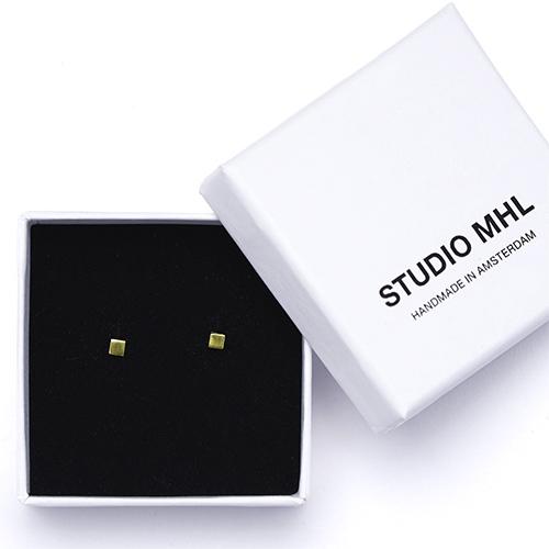 STUDIO MHL/スモールスクエアピアス(2種)