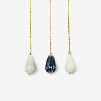 UU ceramic jewelry and objects ウウ セラミックジュエリー アンド オブジェクツ/雨粒ピアス「Rain Drops」M(シングル 3色)