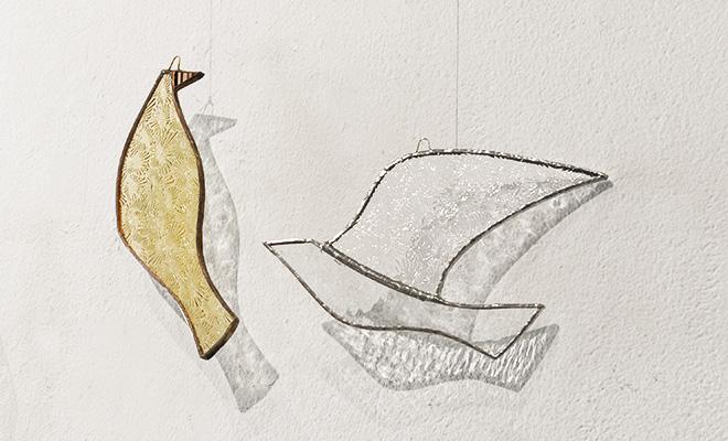 vivo stained glass ビーボステンドグラス/BIRD DANDELION バード ダンデライオン 他BIRDシリーズ作品が並んだ画像