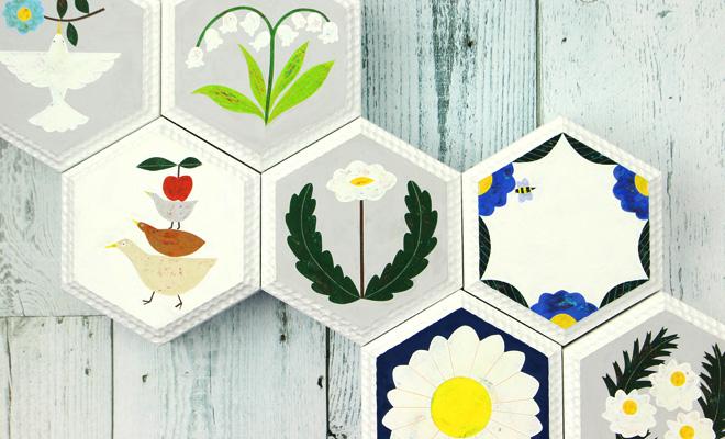 安原ちひろ やすはらちひろ/【一点もの】honey comb wood tile ハニカムウッドタイル(12種)/【一点もの】honey comb wood tile ハニカムウッドタイル(12種)が並んだイメージ画像