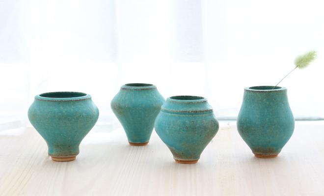 鈴木麻起子 Turkish ターキッシュ vase mini フラワーベースが飾られている画像