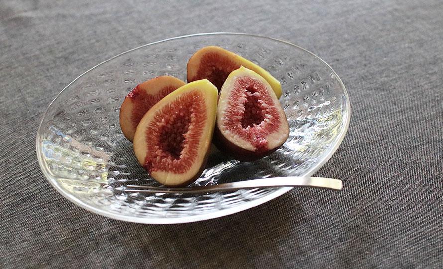 河上智美 いちご楕円皿 大に果物が載った画像