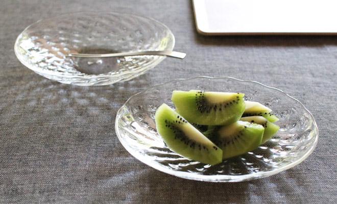 河上智美 いちご楕円皿 小に果物が載った画像