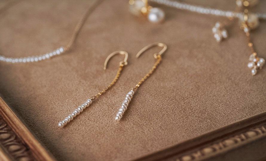 misa ミサ/「極小淡水パール」ショートネックレス、ブレスレット、ピアスのイメージ画像