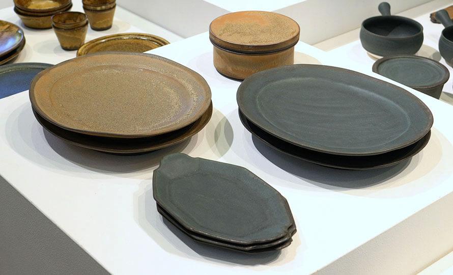 平野日奈子 ひらのひなこ/オーバル皿(2色)のイメージ画像