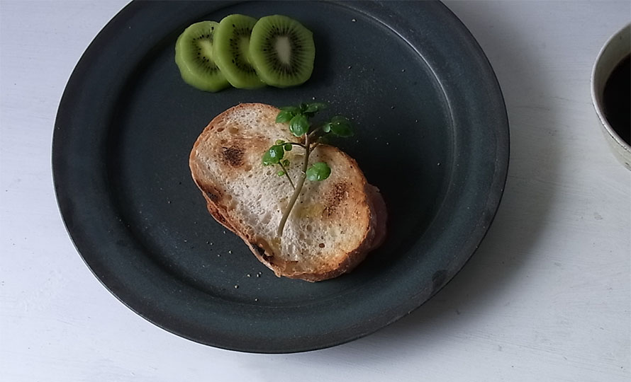 平野日奈子 ひらのひなこ/コバルト リム皿のイメージ画像