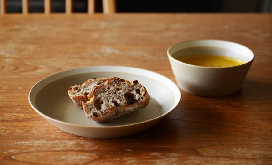 イイホシユミコ yumiko iihoshi porcelain/「dishes ディッシーズ」plate プレート 20cm(2色)のイメージ画像