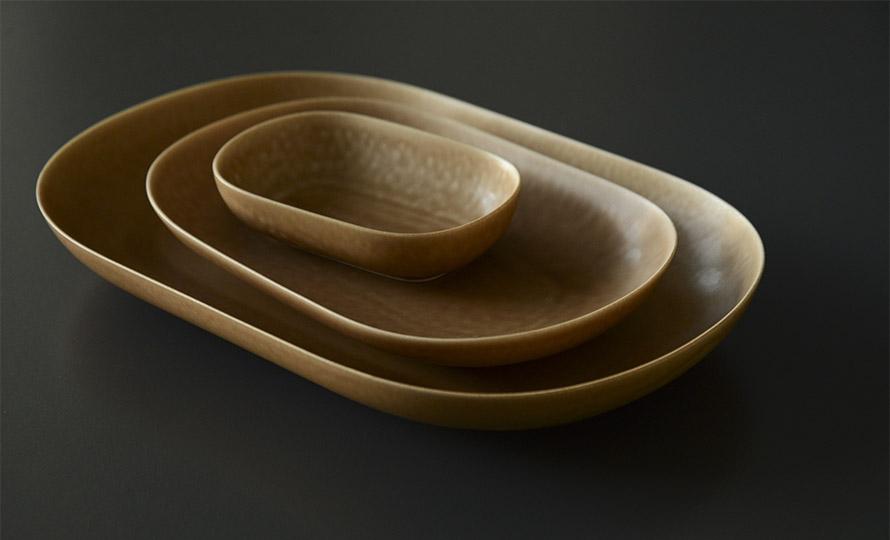 イイホシユミコ yumiko iihoshi porcelain/「ReIRABO リイラボ」oval plate オーバルプレート warm soil brown(S・M・L)のイメージ画像