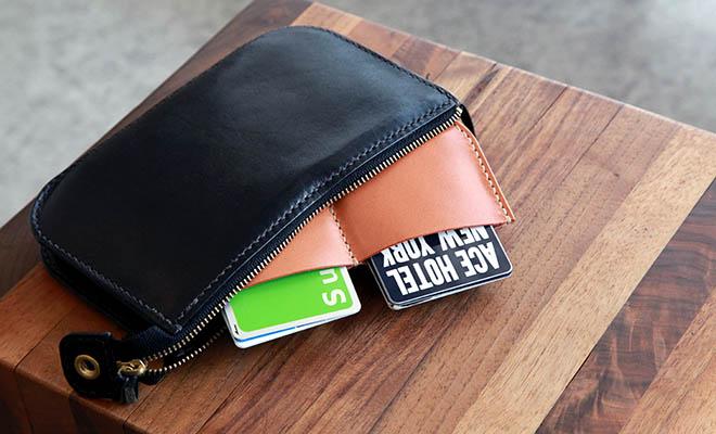 RHYTHMOS リュトモス Zip(L)財布の様々な色の種類が並べられている画像