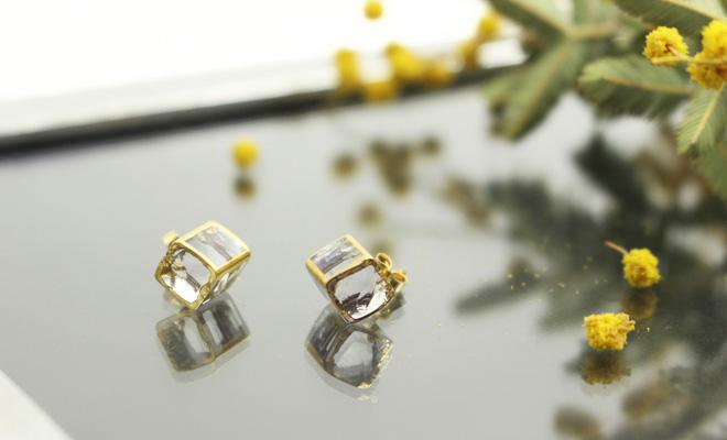 sorte glass jewelry ソルテグラスジュエリー/ガラスピアスSGJ-005Pが二つ並んだ画像