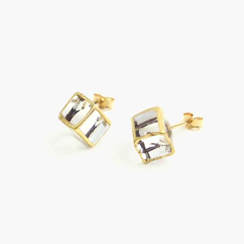 sorte glass jewelry ソルテグラスジュエリー/SGJ-005P ガラス ピアス(立方体 小)