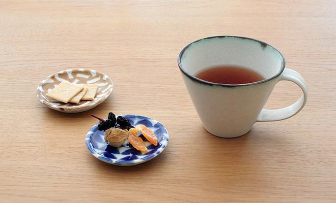 木村香菜子 きむらかなこ/パターン皿 白青 ウロコ(3サイズ)/パターン皿 白青 ウロコ(3サイズ)が並んだイメージ画像