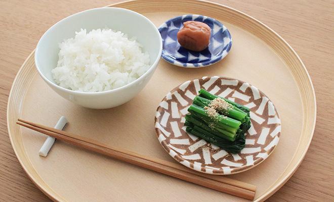 木村香菜子 きむらかなこ/パターン皿 白茶 ランダム(3サイズ)/パターン皿 白茶 ランダム(3サイズ)が並んだイメージ画像