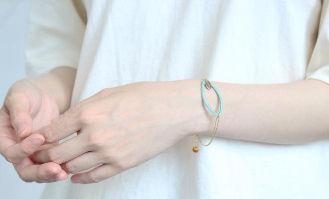 ciito シイト ブレスレット fuchidori braceletをつけた画像